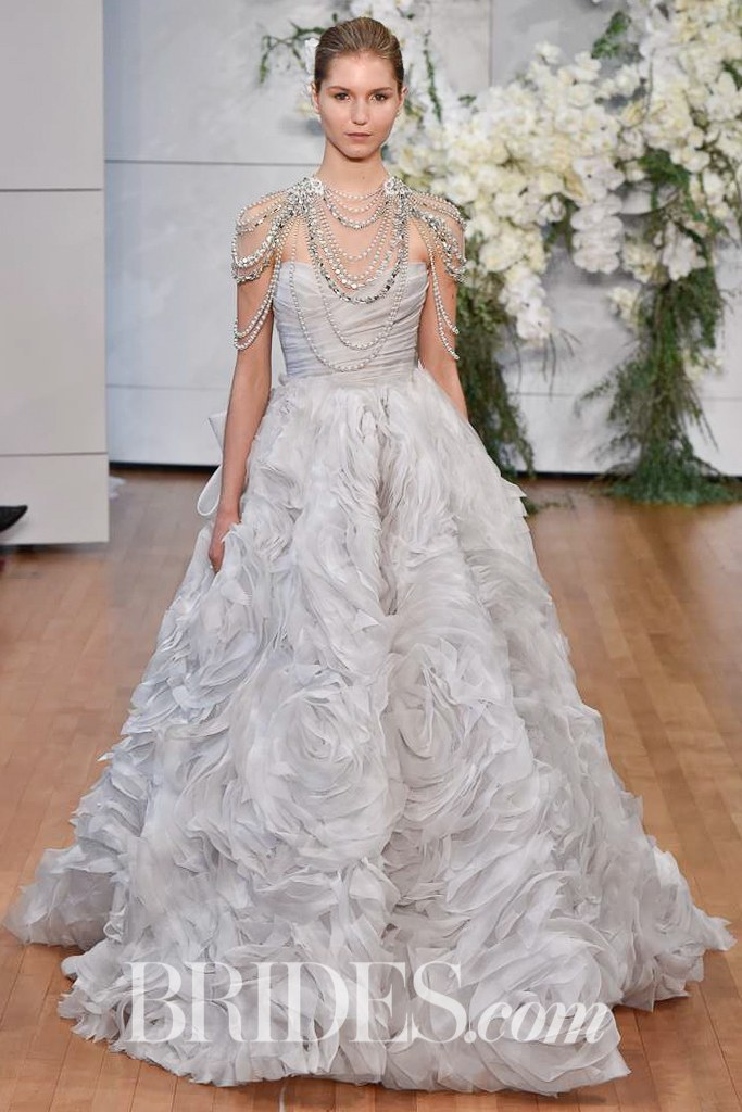 monique-lhuillier-wedding-dresses-spring-2018-005