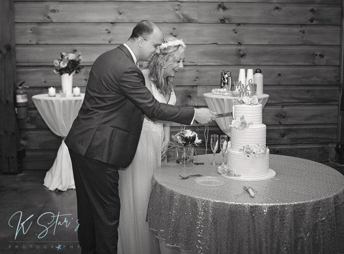 bride-groom-cake-cutting-southern-nc-wedding-planner