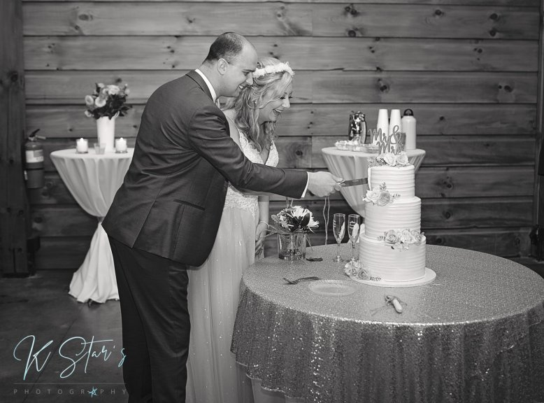 bride-groom-cake-cutting-southern-nc-wedding-planner