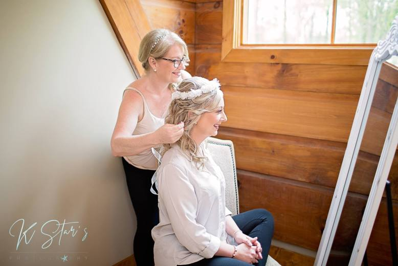 bride-mother-getting-ready-wedding-southern-bride-wedding-planner