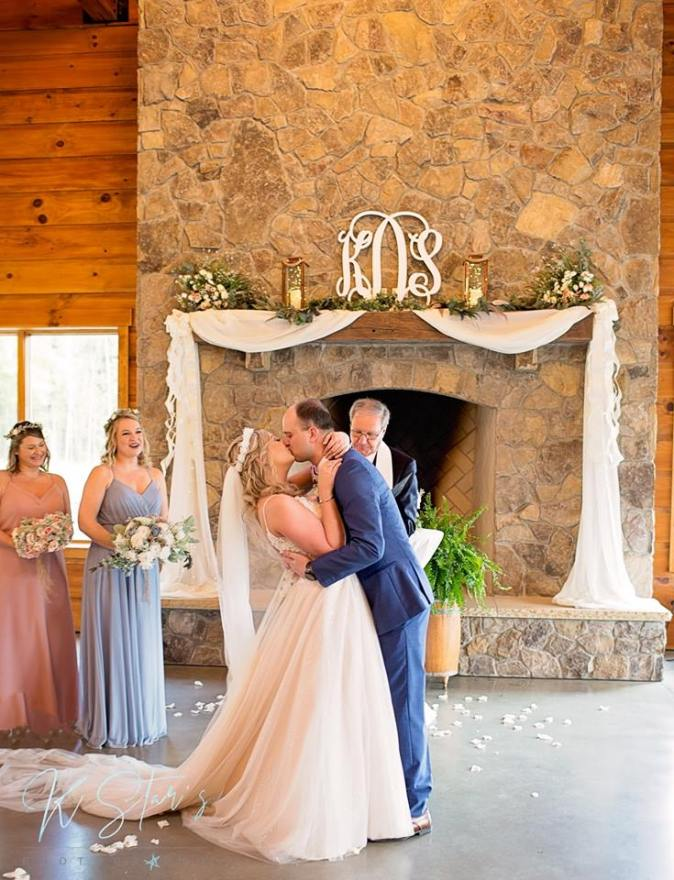 first-kiss-wedding-ceremony-southern-wedding-planner