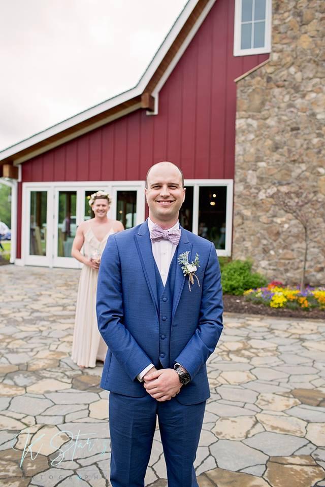 first-look-fake-wedding-groomsmen2