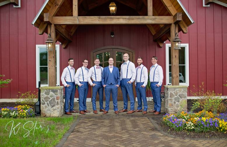 groom-groomsmen-southern-wedding-1