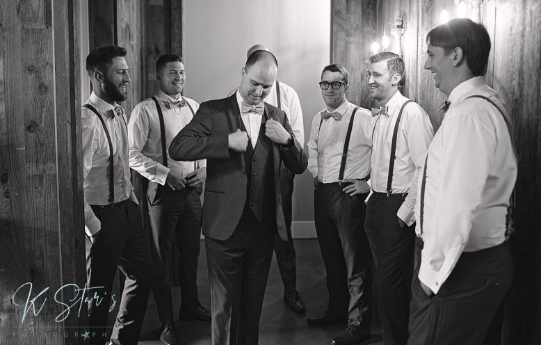 groom-groomsmen-southern-wedding
