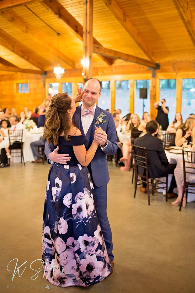 groom-mother-first-dance-southern-nc-wedding-planner