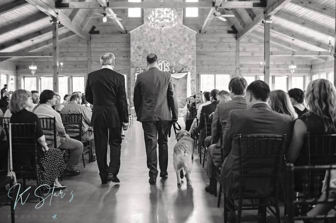groom-officiant-dog-wedding-ceremony-wedding-planner