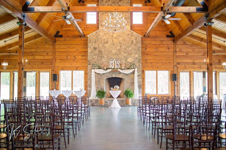 wedding-ceremony-southern-bride-wedding-planner-nc-wedding-barn